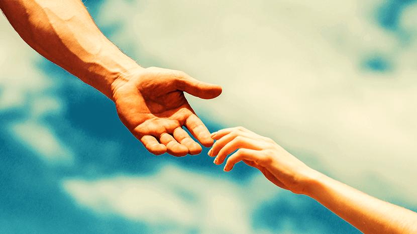 繋がる手と手