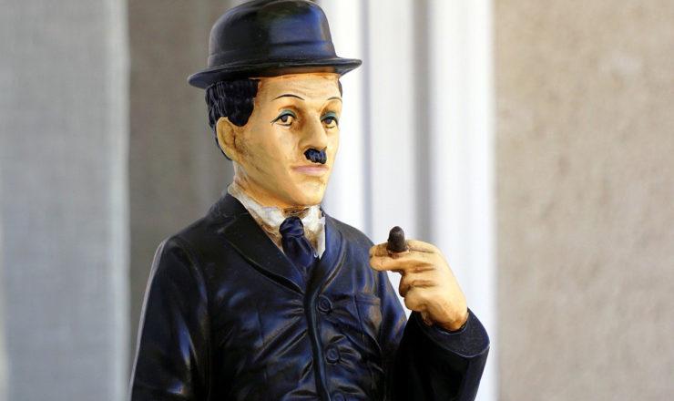 チャールズ・チャップリンの人形